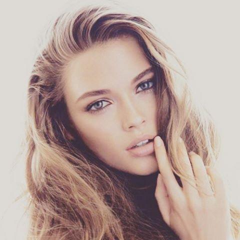 femeie-frumoasa-imagine
