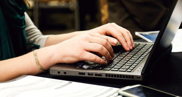 De ce ar trebui sa iti indrepti atentia spre un laptop refurbished?